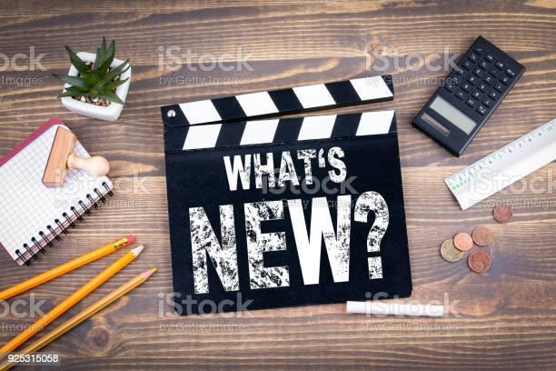 Whats new movie clapper on a wooden desk picture id925315058?b=1&k=6&m=925315058&s=612x612&h=xaiulyfq2lohxzodaudzwkldurukhva8bginbddtnxo=