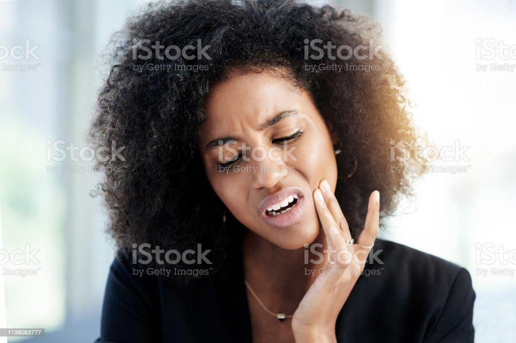 Was ist los mit meinem Zahn? - Lizenzfrei Afrikanischer Abstammung Stock-Foto