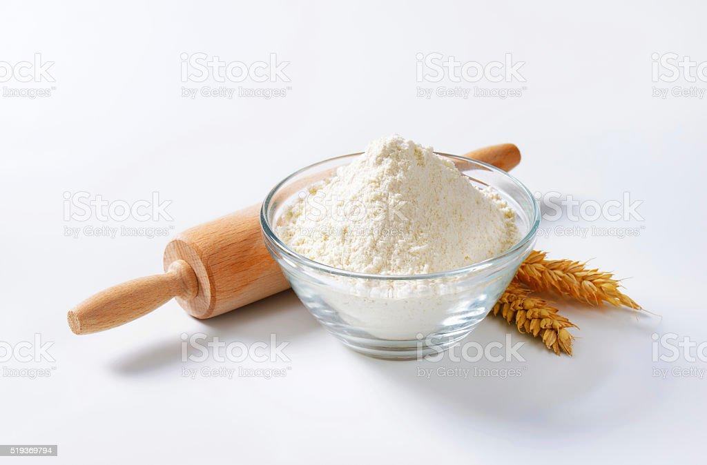 Weizen Mehl und Nudelholz – Foto
