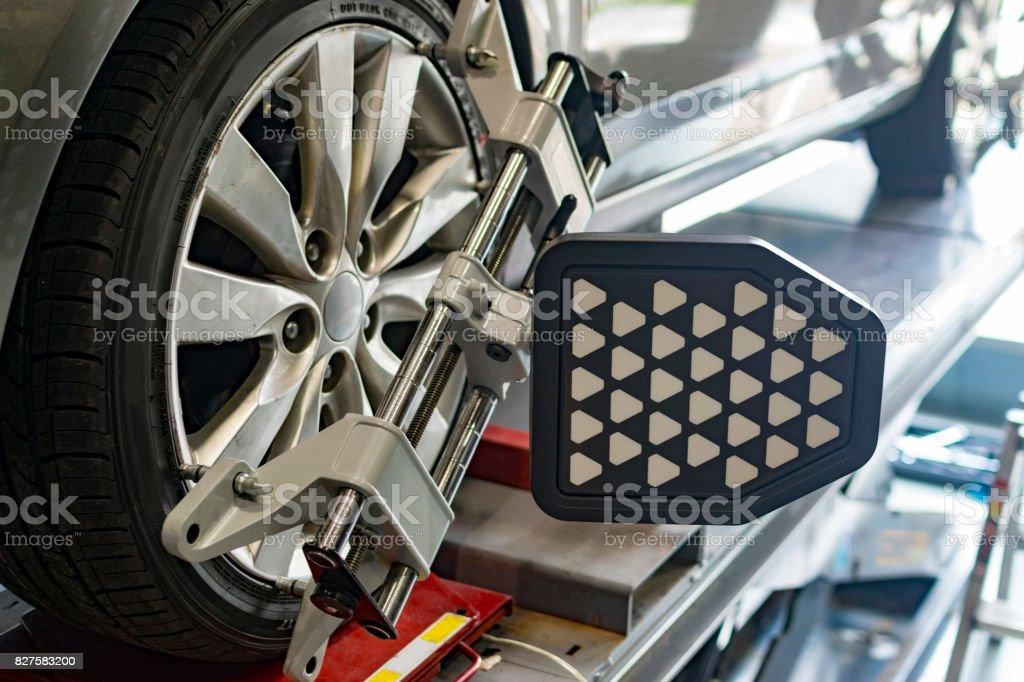 Alineación de ruedas - foto de stock