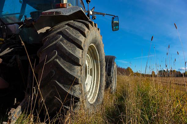 Rad des Traktor – Foto
