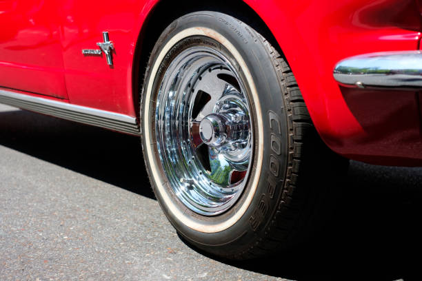Felge Rad / Reifen-Closeup klassische Reed Oldtimer Ford Mustang Auto – Foto