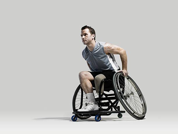 cadeira de rodas jogador de basquete - esportes em cadeira de rodas - fotografias e filmes do acervo