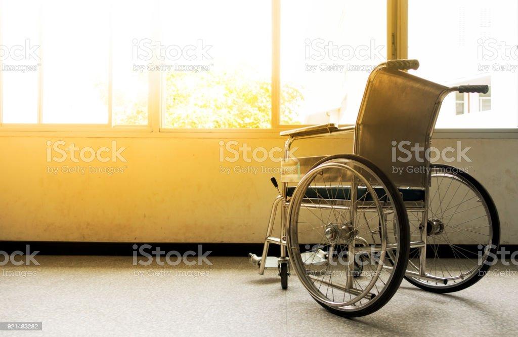 Rollstühle für ambulante Dienste warten. – Foto