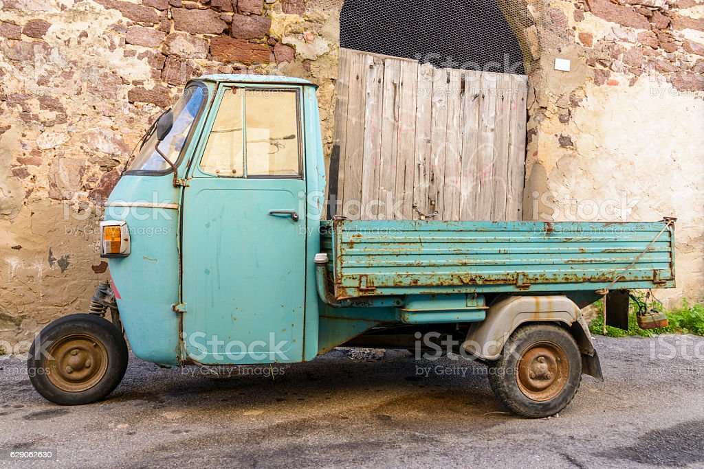 Wheeler with three wheels - foto stock