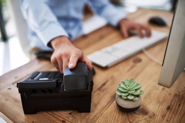 when success calls, pick up that phone - cornetta telefono foto e immagini stock