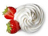 ホイップクリームとイチゴ
