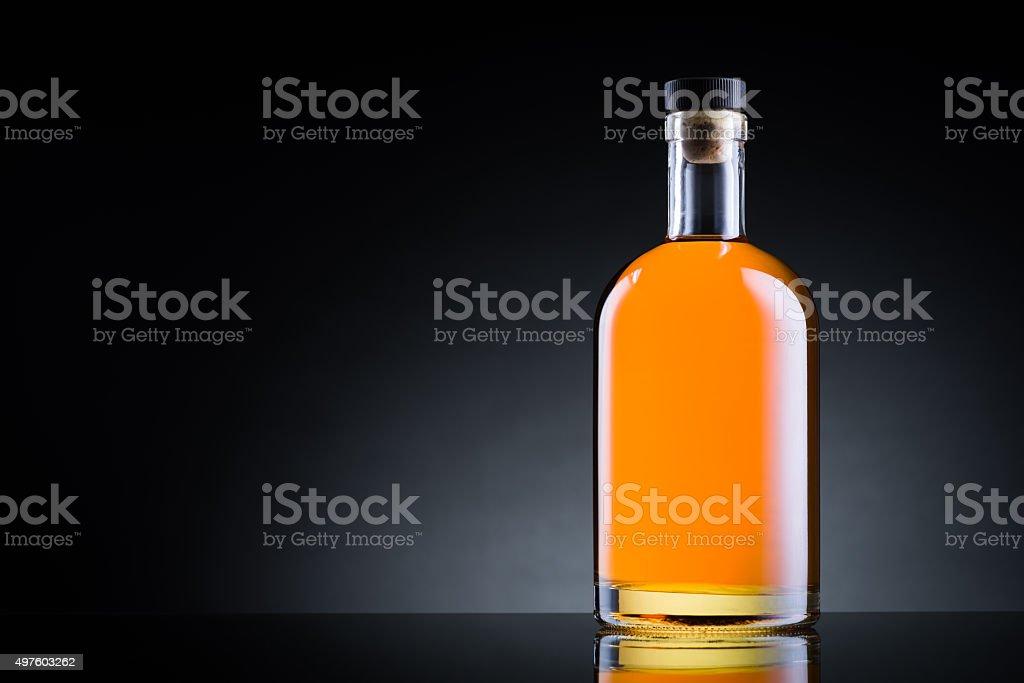 Bouteille de whisky en verre noir - Photo