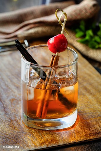 istock Whiskey cocktail 490364954