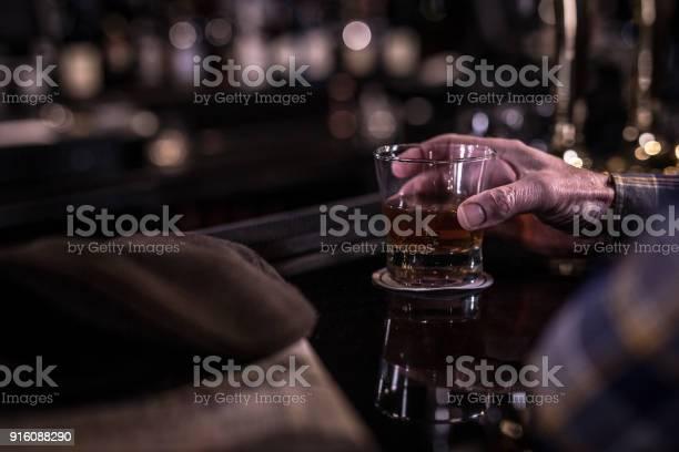 Whiskey glass in hand picture id916088290?b=1&k=6&m=916088290&s=612x612&h=w5iymkvumvmqdjl7enkbuecxr20nyzxdgl1 f26apgo=