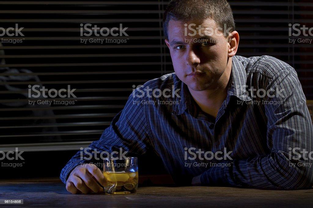Whiskey uomo foto stock royalty-free