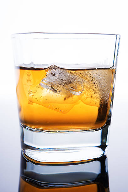 whiskey mit ice – Foto