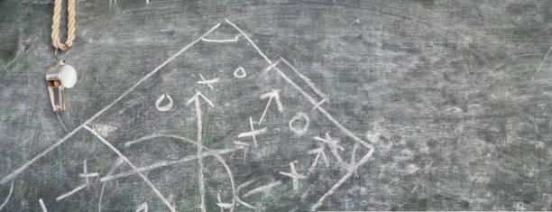Pfiff der ein Fußball-Trainer und Strategie-scribble – Foto