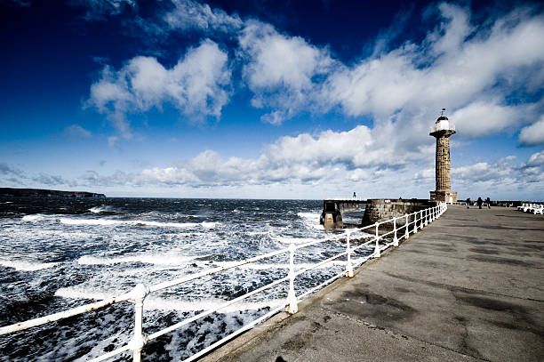 Whitby pier lighthouse – Foto
