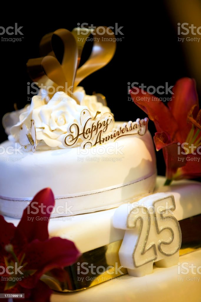 A white 25 year anniversary cake royalty-free stock photo