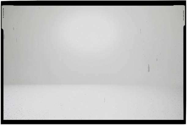 Weißer abstrakter defokussierter Hintergrund mit Rahmen – Foto