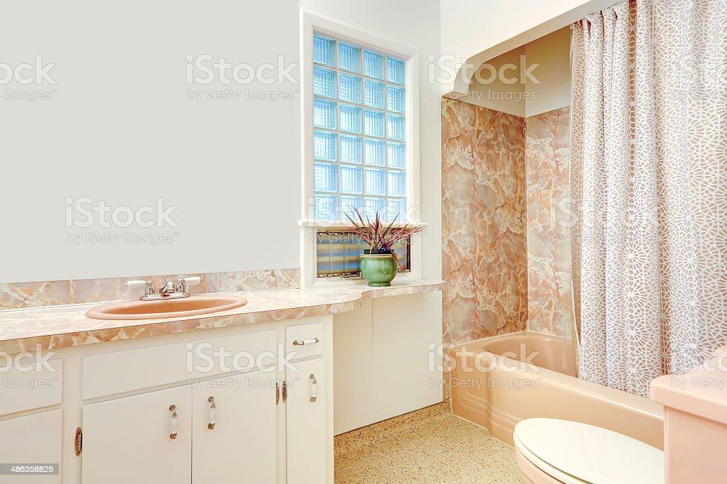 Weiß Und Beige Badezimmer Stockfoto und mehr Bilder von ...