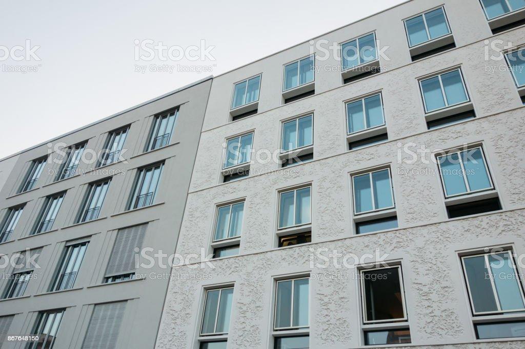 Photo libre de droit de Blanc Et Gris Moderne T Appartement ...