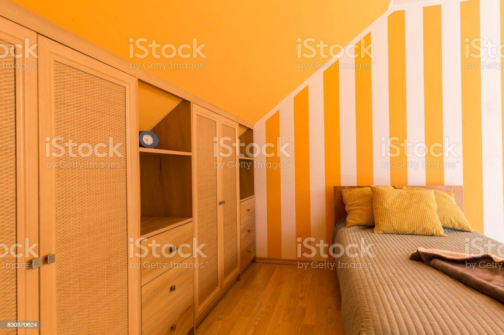 Photo libre de droit de Chambre Orange Et Blanche Avec Petit ...