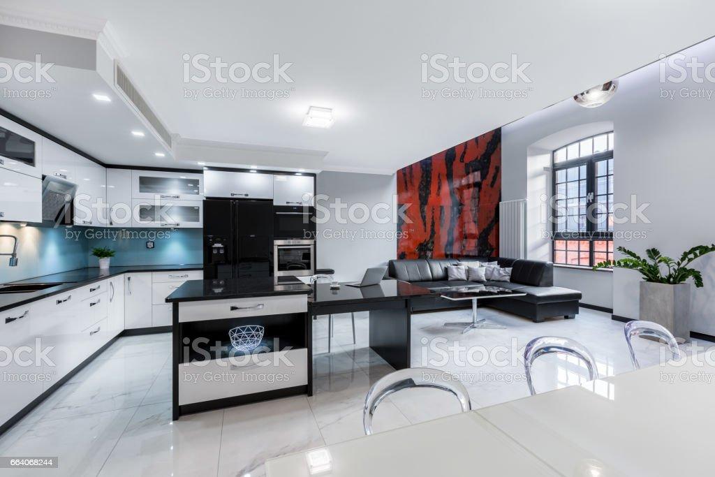 Photo libre de droit de Appartement Blanc Avec Cuisine Ouverte ...