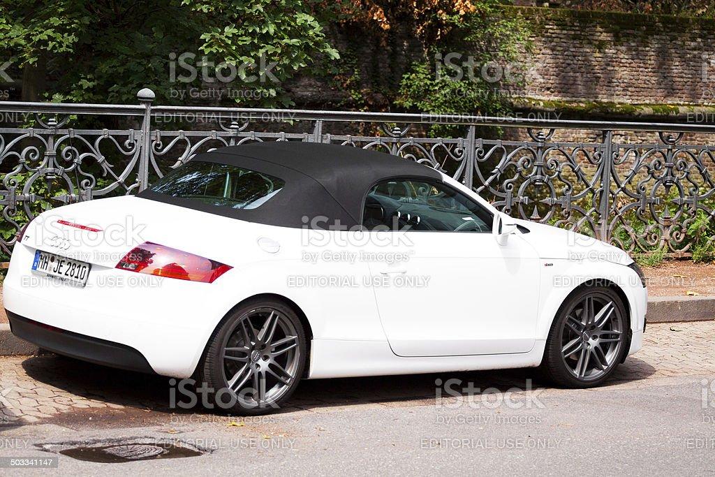 Foto De Branco Audi Tt Sline Automovel Conversivel E Mais Fotos De Stock De Alemanha Istock