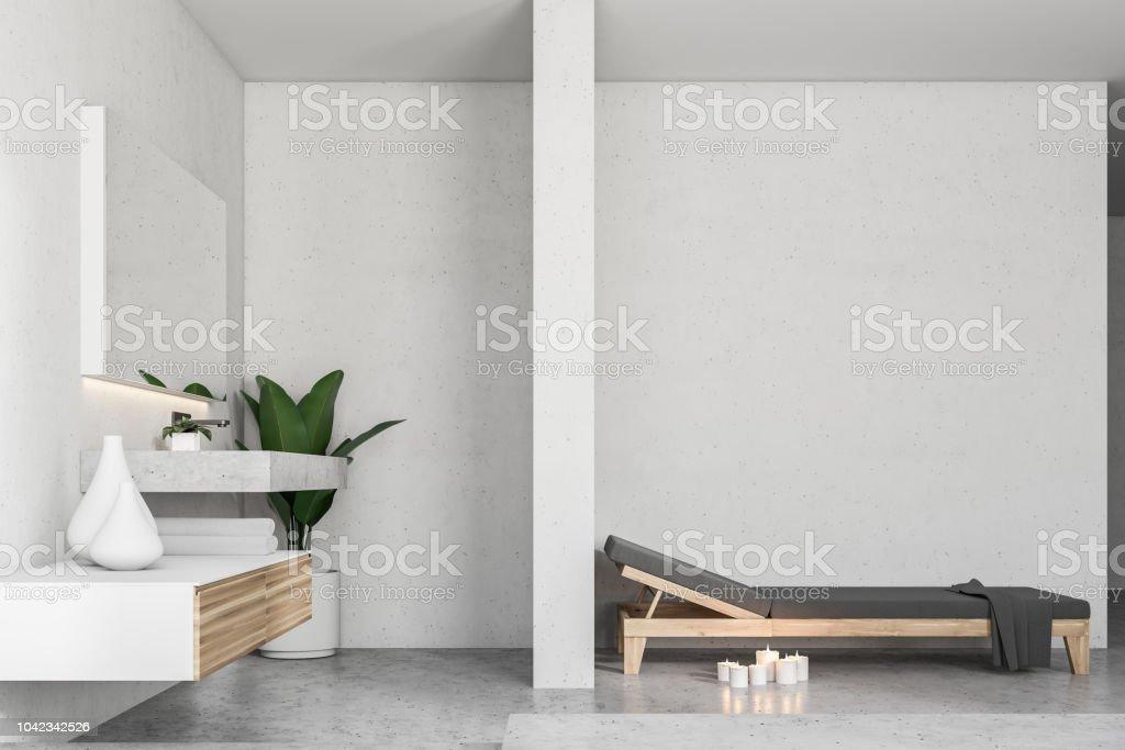 Weiße Badezimmer Interieur Bank Und Waschbecken Stockfoto ...