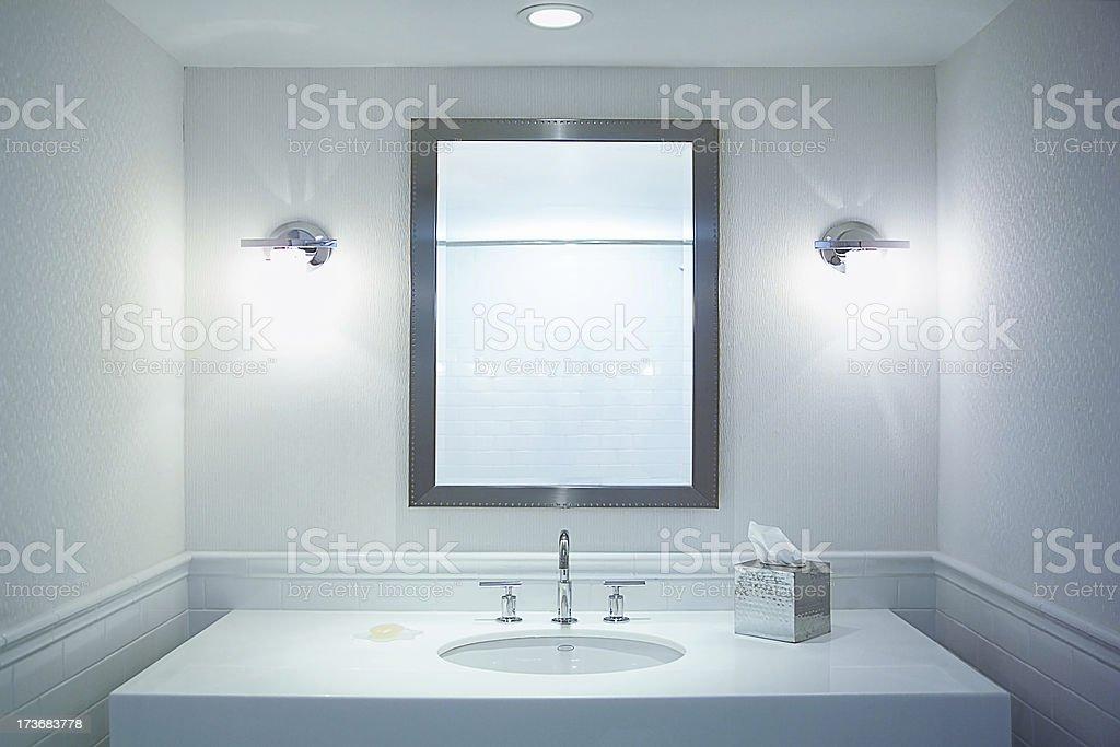 Weißes Badezimmer – Foto