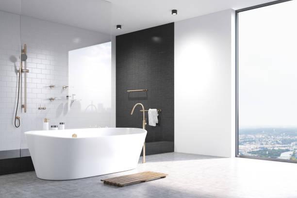 Baño blanco con la esquina de Tejas negra - foto de stock