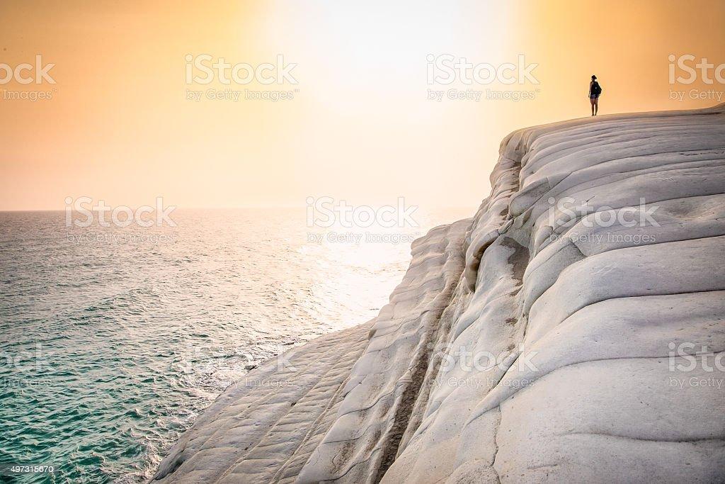 Bianco spiaggia. Scala dei Turchi nel tramonto in Sicilia - foto stock
