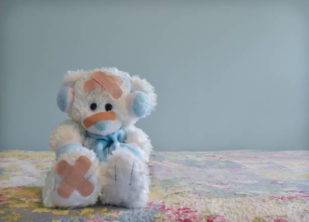 Ours blanc avec des Bandages - Photo