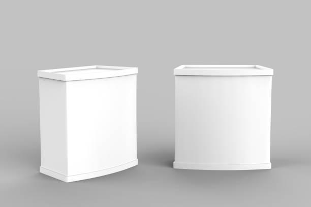 pubblicità bianca bianca pos poi pvc stand promozionale, retail trade stand isolato sullo sfondo bianco. modello di modello modello per il tuo design. illustrazione 3d - bancarella foto e immagini stock