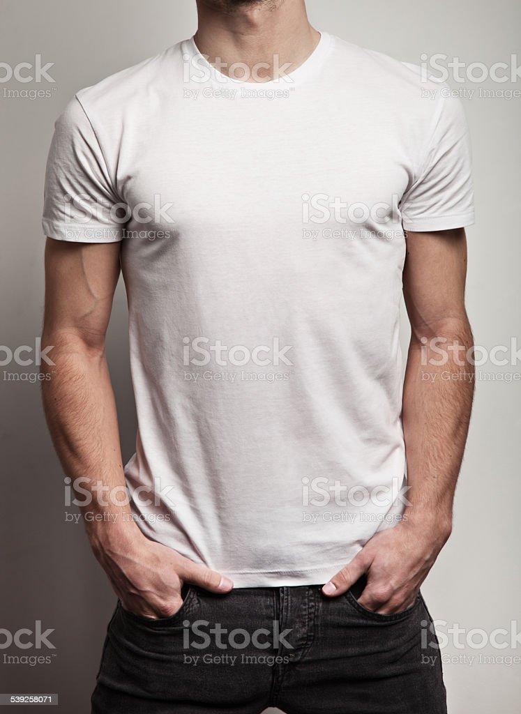 Weißen leeren t-shirt auf ein Mann – Foto
