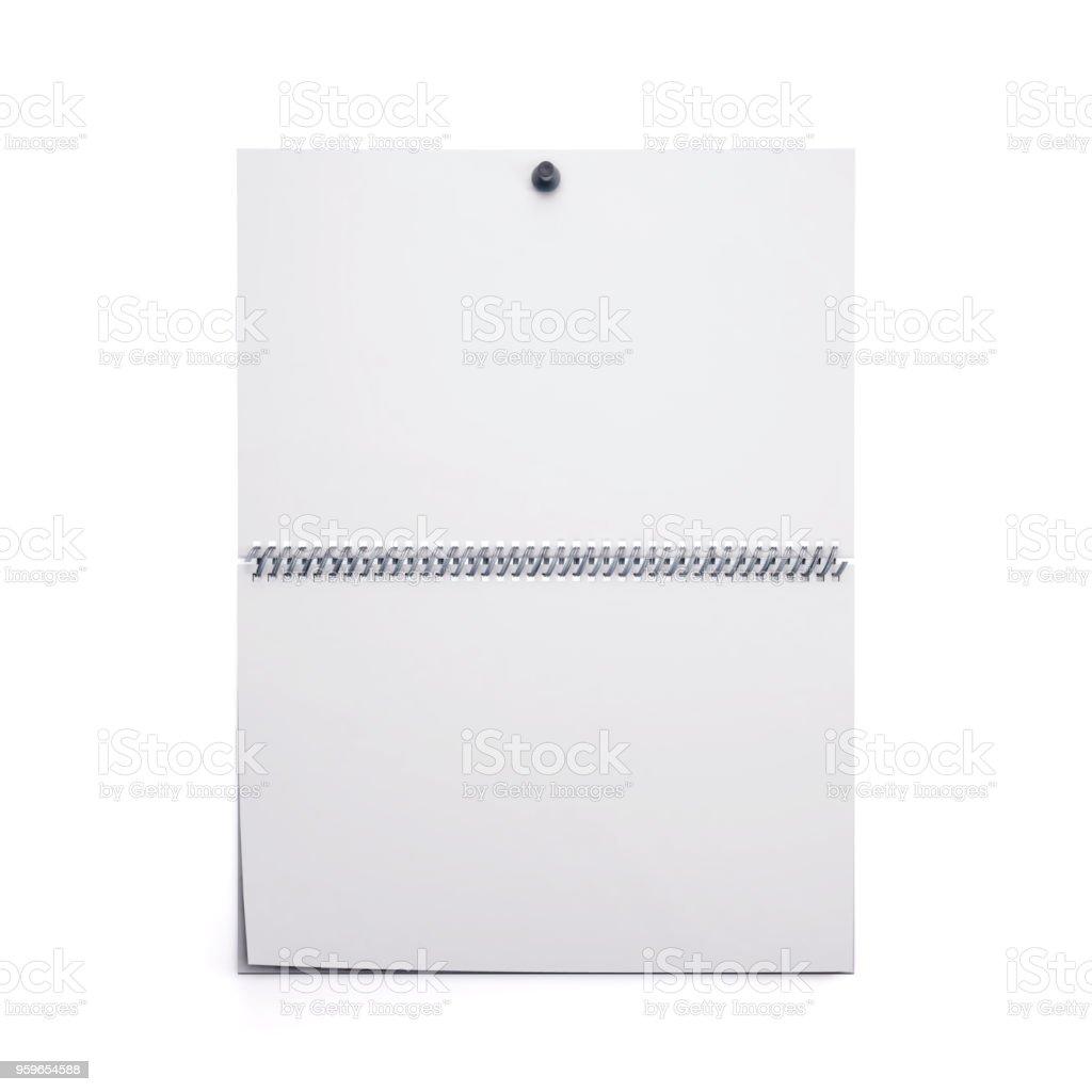 Plantilla de calendario de pared en blanco blanco aislada sobre fondo blanco. Render 3D. Maqueta del calendario espiral en blanco - Foto de stock de Abstracto libre de derechos