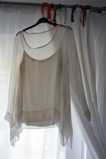 white blouse - modefarben sommer 2016 stock-fotos und bilder