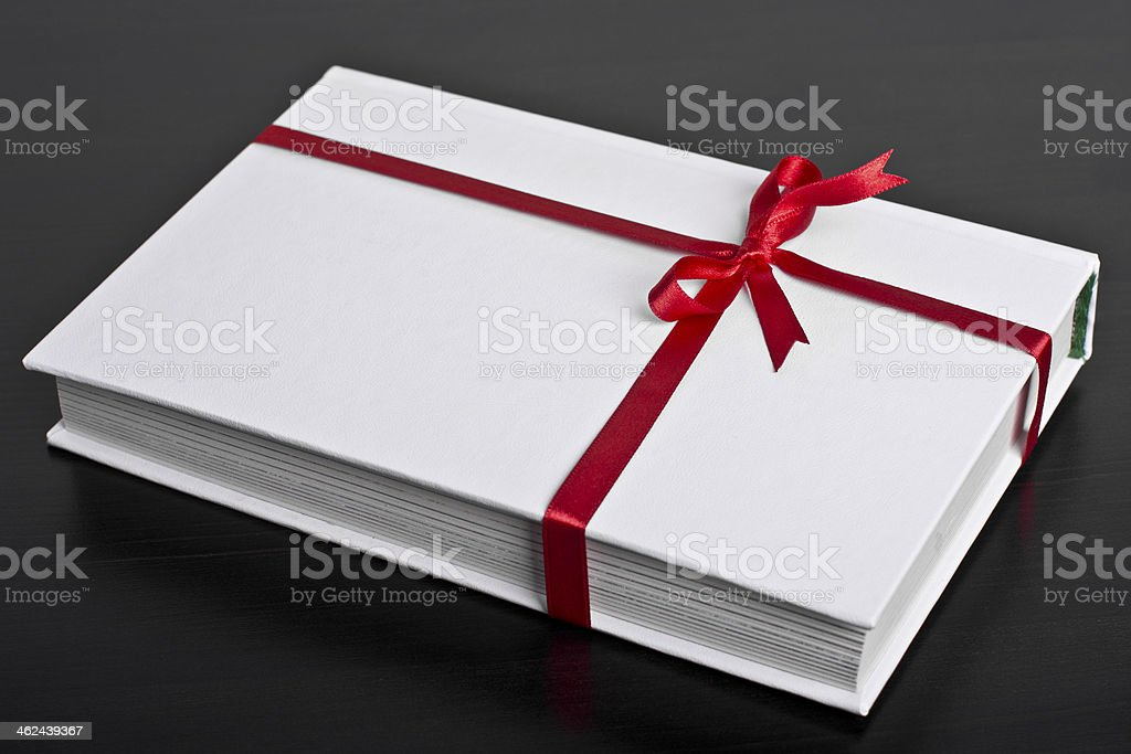 El Libro Blanco con cinta roja - foto de stock