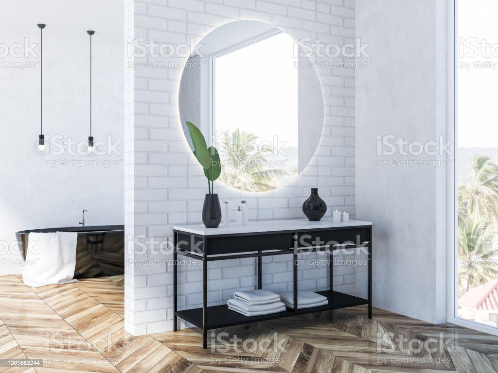 Salle De Bain Brique photo libre de droit de baignoire de coin noir brique blanche salle de bain  banque d'images et plus d'images libres de droit de {top keyword}