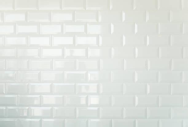 白いレンガ調のタイル、タイル張り壁背景のヴィンテージ - タイル ストックフォトと画像
