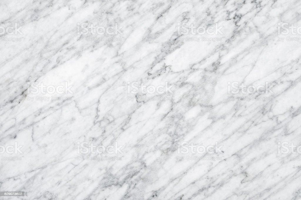 Bagni In Marmo Di Carrara : Marmo bianco di carrara luce naturale alla superficie o kitch