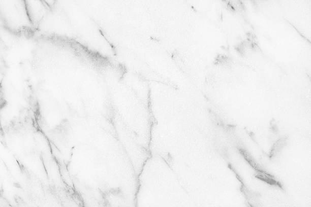 białym marmurem z carrary łazienka naturalne światło powierzchnię lub kitch - łupek łyszczykowy zdjęcia i obrazy z banku zdjęć