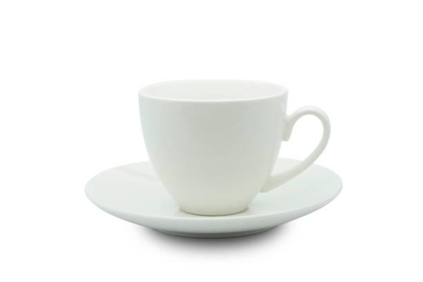 witte keramische cup geïsoleerd van witte achtergrond met uitknippad. - theekop stockfoto's en -beelden