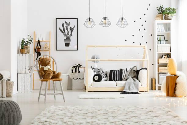 quarto de criança branca com tapete - escandinavo - fotografias e filmes do acervo