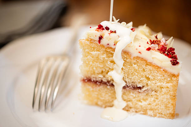 white chocolate and raspberry cake - cake stock pictures, royalty-free photos & images