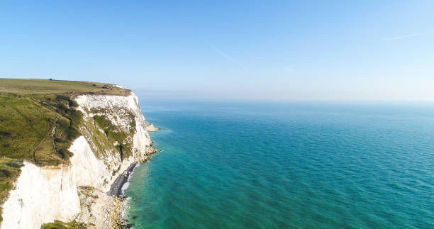 white cliffs of dover, kent, uk. - english channel stock pictures, royalty-free photos & images