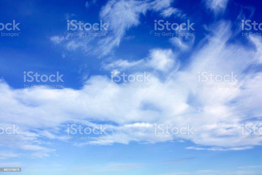 White clouds over blue sky photo libre de droits