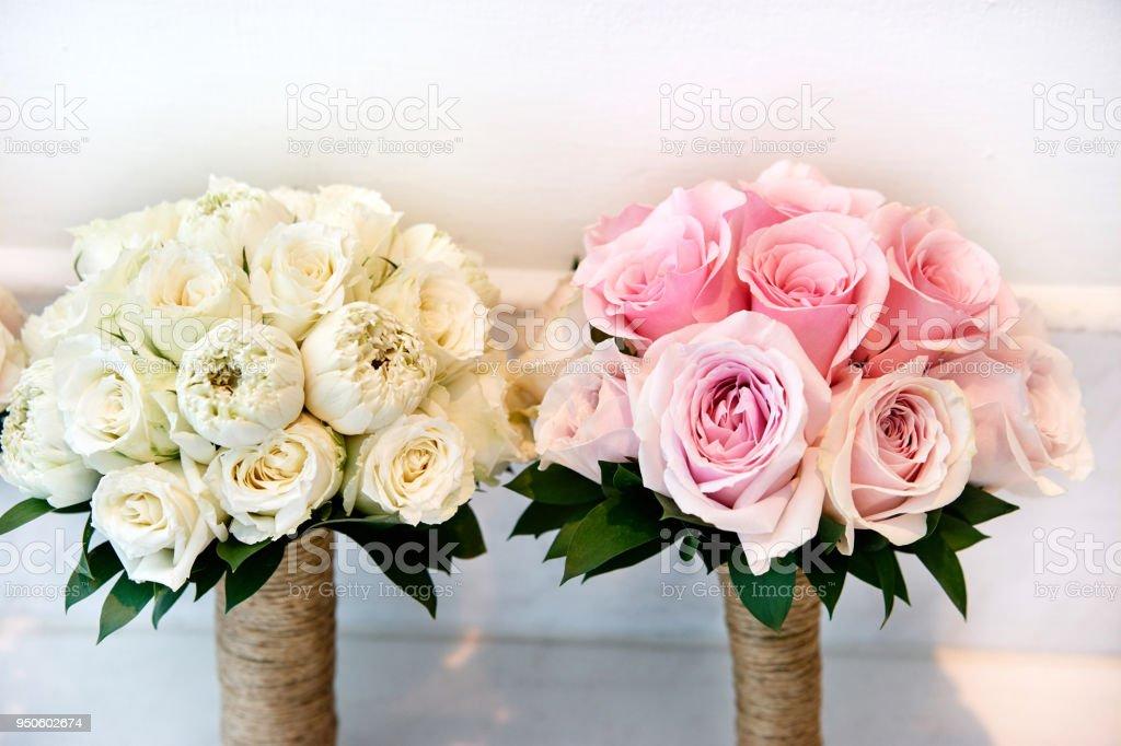 Weisse Creme Und Rosa Rosen Braut Strauss Brautstrauss Der Braut Stock