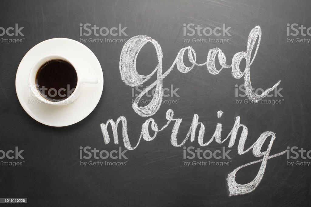 Eine Weiße Tasse Kaffee Mit Einer Inschrift Guten Morgen