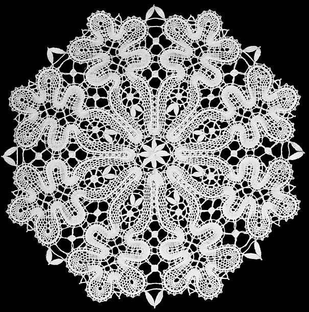 white Zierdeckchen mit Spitze – Foto