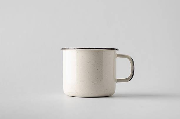 white enamel mug mock-up - taza fotografías e imágenes de stock