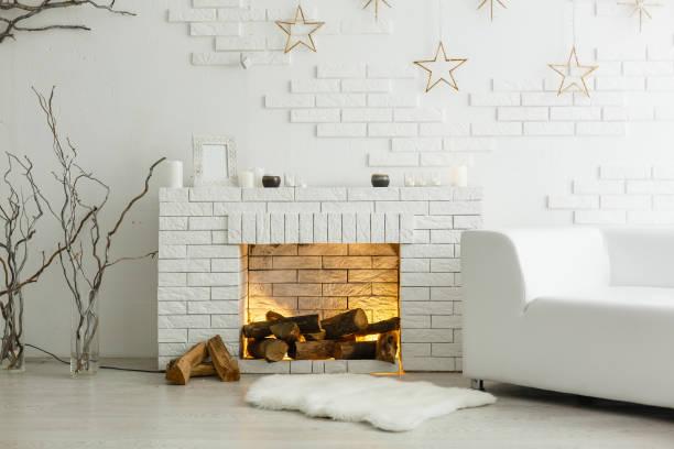 vit spis i ljusa rum med juldekoration - cozy at christmas bildbanksfoton och bilder