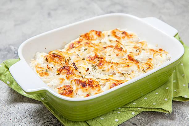 white fish casserole - cod imagens e fotografias de stock